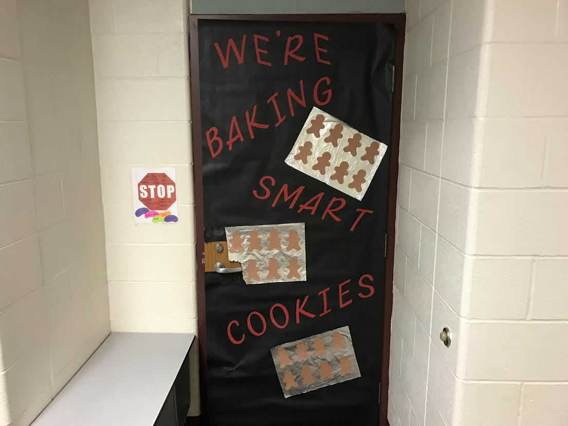 PTO Student Council Christmas Door Decorations 6